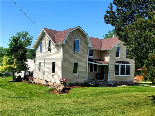 Photo of 5339 Beaver Dam Rd, West Bend, WI 53090 (MLS # 1693192)