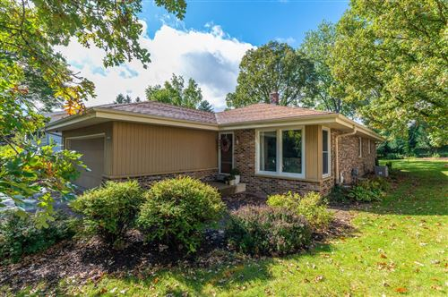Photo of 10136 W Highwood Ave, Wauwatosa, WI 53222 (MLS # 1727193)