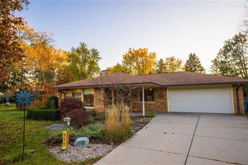 Photo of 575 Rosedale Dr, Thiensville, WI 53092 (MLS # 1719194)