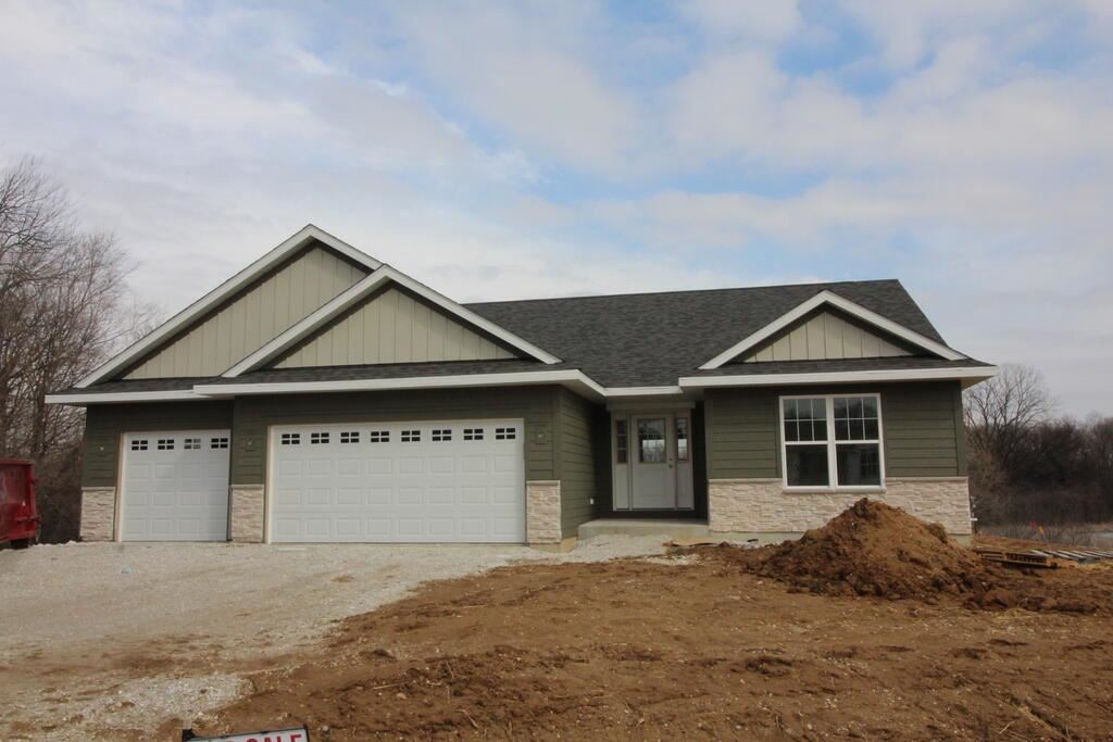 Photo of 902 Meadow View Ln, Twin Lakes, WI 53181 (MLS # 1768195)