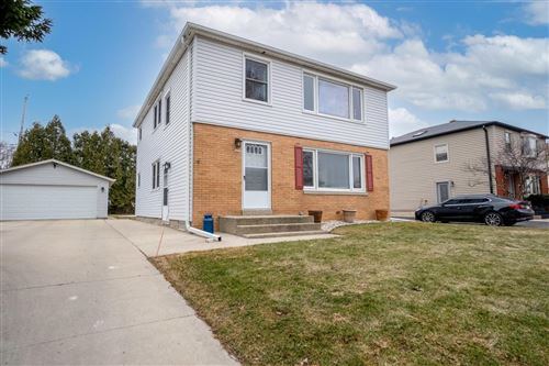 Photo of 607 Columbia Ave, South Milwaukee, WI 53172 (MLS # 1731196)