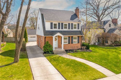 Photo of 1413 E Courtland Pl, Whitefish Bay, WI 53211 (MLS # 1733196)