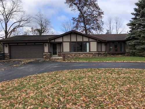 Photo of 4847 S 84th, Greenfield, WI 53228 (MLS # 1659203)