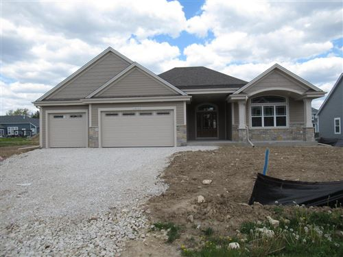 Photo of N54W23860 Fieldstone Pass Cir, Sussex, WI 53089 (MLS # 1719204)