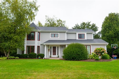 Photo of 2373 Hillcrest Dr, Delafield, WI 53018 (MLS # 1709209)