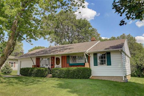 Photo of 261 W Plymouth St, Jefferson, WI 53549 (MLS # 1886211)