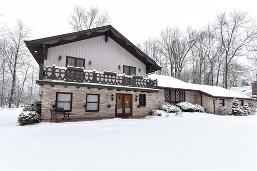 Photo of 10508 W Sunset Woods Ln, Mequon, WI 53097 (MLS # 1673215)