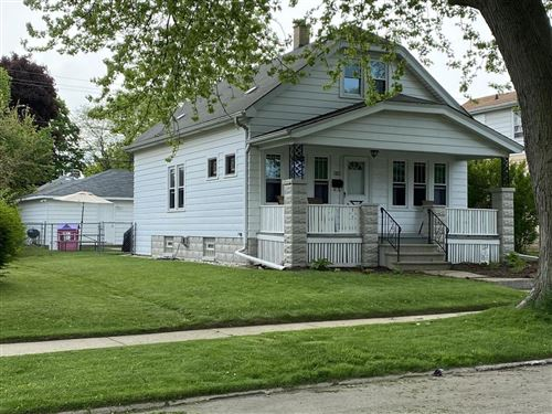 Photo of 637 Park Ave, South Milwaukee, WI 53172 (MLS # 1692215)