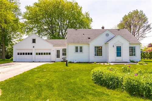 Photo of 433 E Fairy Chasm Rd, Bayside, WI 53217 (MLS # 1691216)