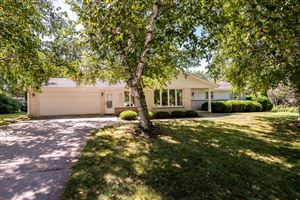 Photo of 917 Crestview Dr, Port Washington, WI 53074 (MLS # 1655221)