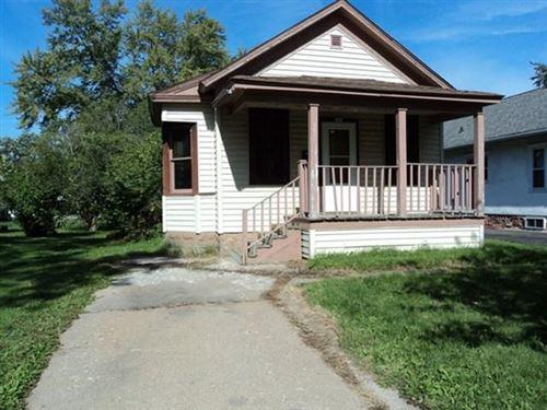 Photo of 706 S VINE AVENUE, Marshfield, WI 54449 (MLS # 22005221)