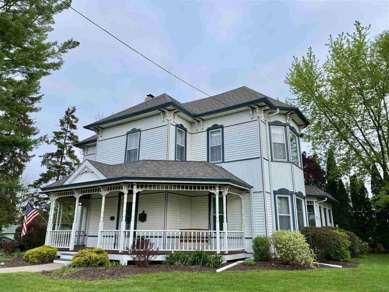 504 Jackson St, Stoughton, WI 53589 - MLS#: 1879228