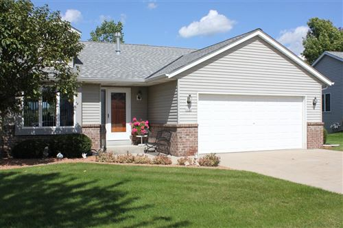 Photo of 1624 Nature Trl, Hartford, WI 53027 (MLS # 1668231)