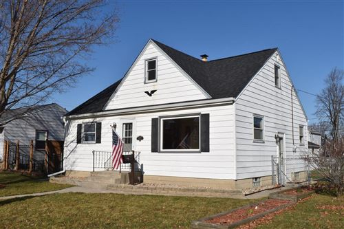 Photo of 820 Marion Ave, South Milwaukee, WI 53172 (MLS # 1719232)
