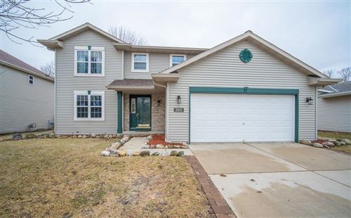 Photo of 2611 Park Forest Dr, West Bend, WI 53090 (MLS # 1682234)