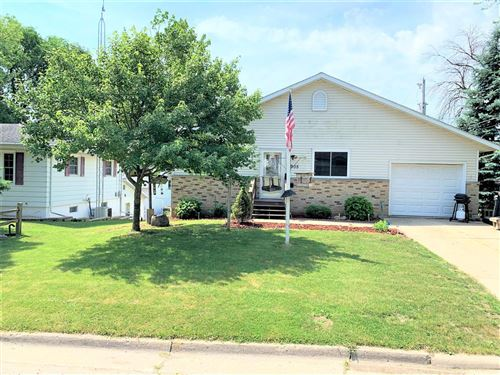 Photo of 905 Caswell St, Fort Atkinson, WI 53538 (MLS # 1696234)