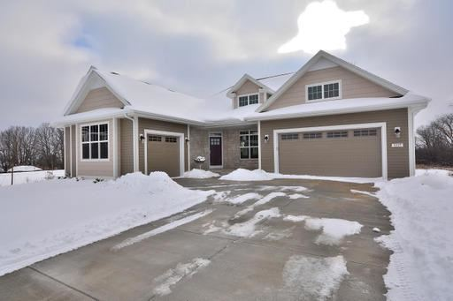 8265 W Mourning Dove Ct, Mequon, WI 53097 - MLS#: 1698234