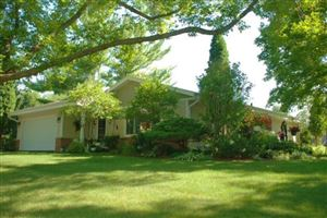 Photo of W291N8278 Parkview Ln, Hartland, WI 53029 (MLS # 1635238)