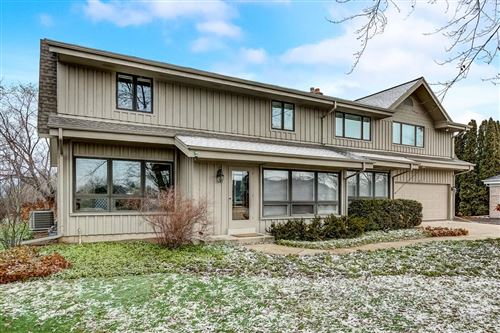 Photo of 4022 W Marseilles Dr, Mequon, WI 53092 (MLS # 1669243)