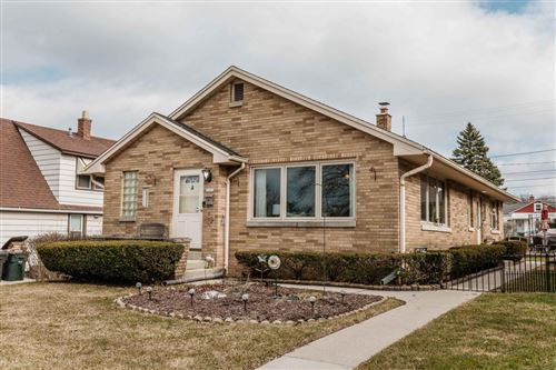 Photo of 3203 W Lynndale Ave, Greenfield, WI 53221 (MLS # 1683244)