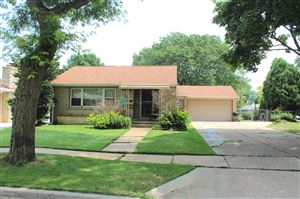 Photo of 2562 S 89th St, West Allis, WI 53227 (MLS # 1647248)