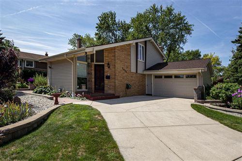 Photo of 5095 Surrey Ln, Greendale, WI 53129 (MLS # 1705248)