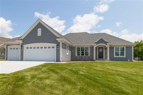 Photo of 401 Fairview Cir, Waterford, WI 53185 (MLS # 1672250)