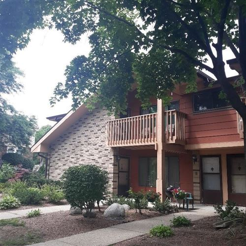 Photo of 1617 Dover Dr #10, Waukesha, WI 53186 (MLS # 1753250)