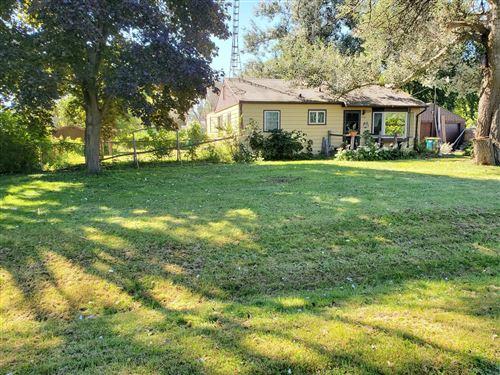 Photo of 1329 E Connie Ln, Oak Creek, WI 53154 (MLS # 1708254)