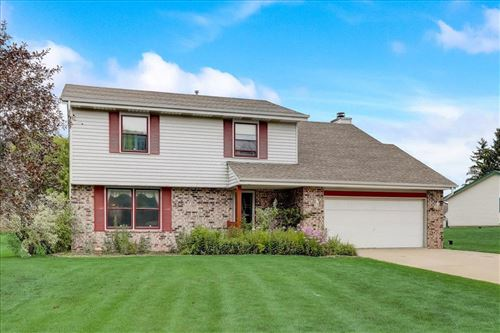 Photo of 7970 S North Cape Rd, Franklin, WI 53132 (MLS # 1752254)
