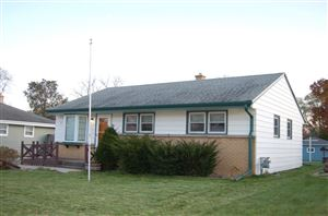Photo of 733 Clark Ave, South Milwaukee, WI 53172 (MLS # 1667258)