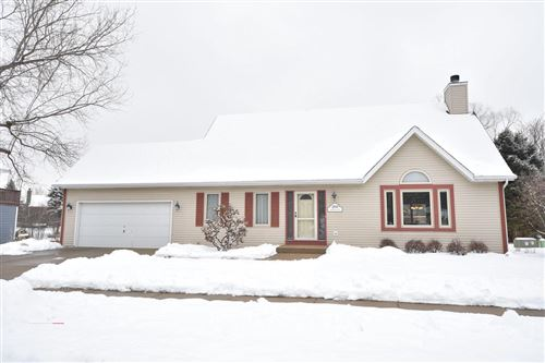 Photo of 2809 Jacquelyn Dr, Waukesha, WI 53188 (MLS # 1674259)