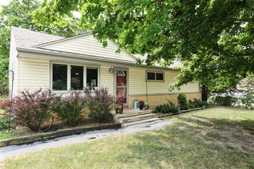 Photo of 7043 W Squire AVE, Greenfield, WI 53220 (MLS # 1754259)