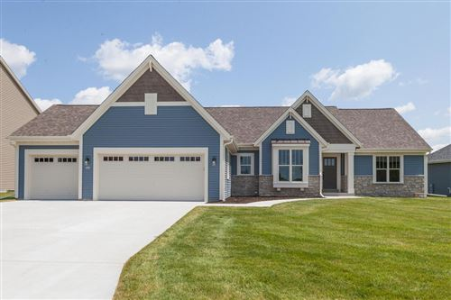Photo of 403 Fairview Cir, Waterford, WI 53185 (MLS # 1672261)
