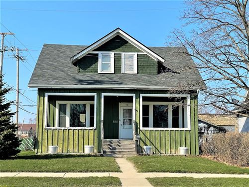 Photo of 828 Madison Ave, South Milwaukee, WI 53172 (MLS # 1734261)