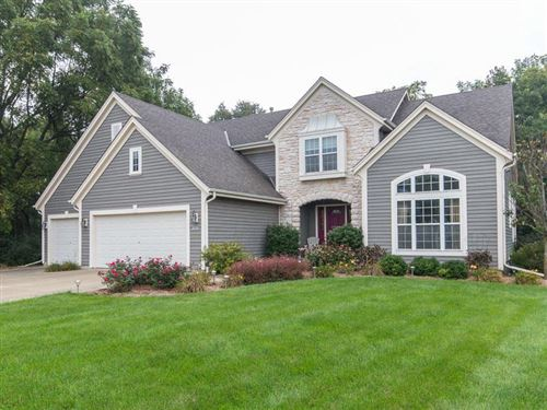 Photo of 12815 W Peachtree Dr, New Berlin, WI 53151 (MLS # 1673266)