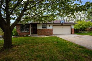 Photo of 1207 Pear Tree Ct, West Bend, WI 53090 (MLS # 1638267)