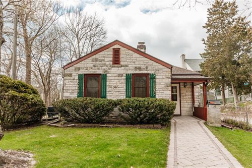 Photo of 301 Michigan Ave, South Milwaukee, WI 53172 (MLS # 1735273)