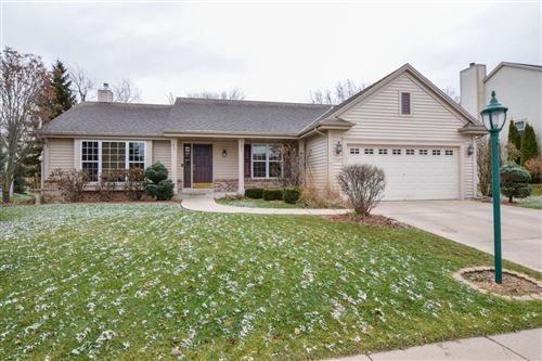 Photo of 725 Bass Dr, Waterford, WI 53185 (MLS # 1669275)