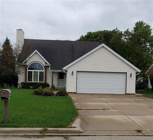 Photo of 1409 Edgewood Ave, South Milwaukee, WI 53172 (MLS # 1709275)