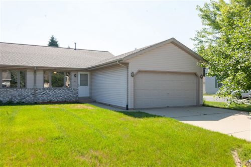 Photo of 413 Sheridan Dr, West Bend, WI 53095 (MLS # 1697276)
