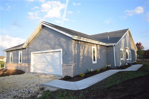 Photo of W206N16137 Stonebrook Dr, Jackson, WI 53037 (MLS # 1729277)