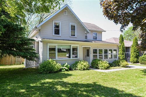 Photo of 126 E Greenwood St, Jefferson, WI 53549 (MLS # 1692282)