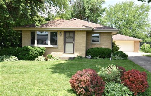 Photo of 5340 W Allerton Ave, Greenfield, WI 53220 (MLS # 1694284)