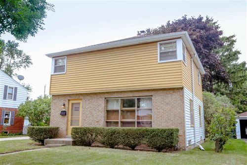 Photo of 5339 N Lydell Ave, Glendale, WI 53217 (MLS # 1707285)