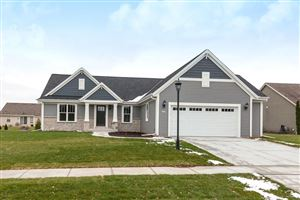 Photo of 2827 Lakeview Dr, East Troy, WI 53120 (MLS # 1616287)