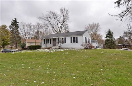 Photo of W190S7582 Richdorf Dr, Muskego, WI 53150 (MLS # 1668287)