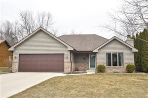 Photo of 620 W Briarknoll Ct, Saukville, WI 53080 (MLS # 1629288)