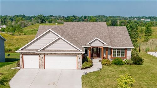 Photo of 533 Emerald Hills Dr, Fredonia, WI 53021 (MLS # 1749288)