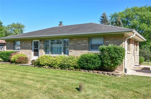 Photo of S75W14881 Lynn Dr, Muskego, WI 53150 (MLS # 1750293)